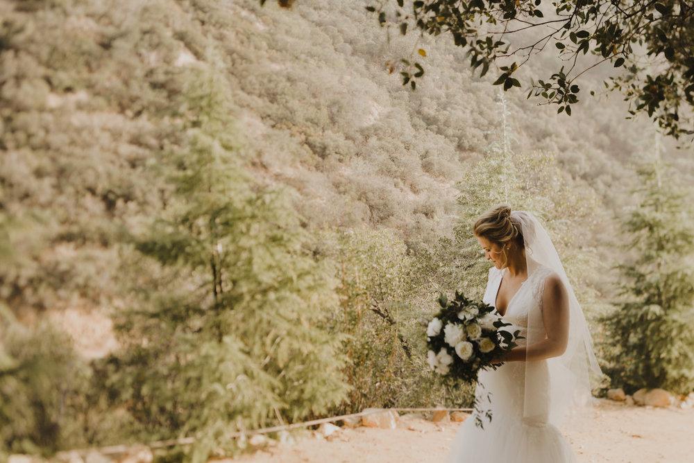 ©Isaiah + Taylor Photography - Serendipity Gardens Wedding, Oak Glen, San Bernarndino Wedding Photographer-14.jpg