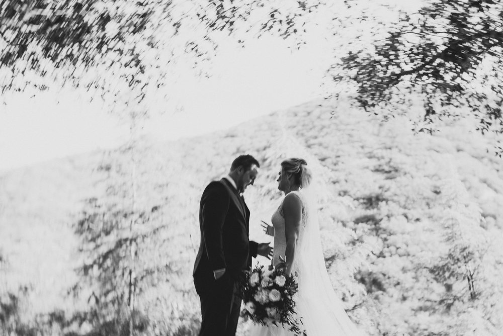 ©Isaiah + Taylor Photography - Serendipity Gardens Wedding, Oak Glen, San Bernarndino Wedding Photographer-19.jpg