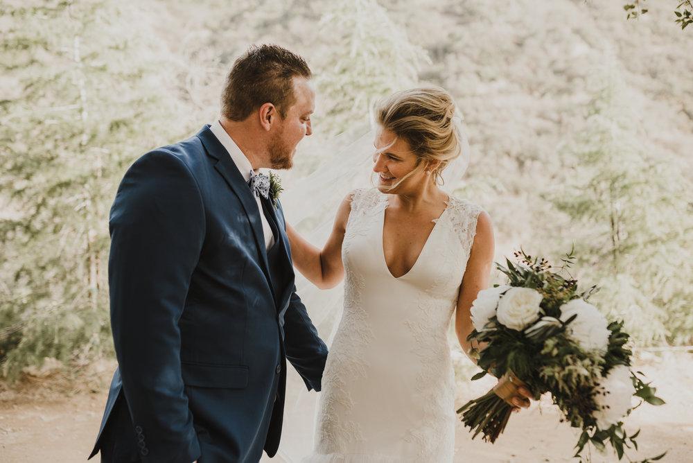 ©Isaiah + Taylor Photography - Serendipity Gardens Wedding, Oak Glen, San Bernarndino Wedding Photographer-21.jpg