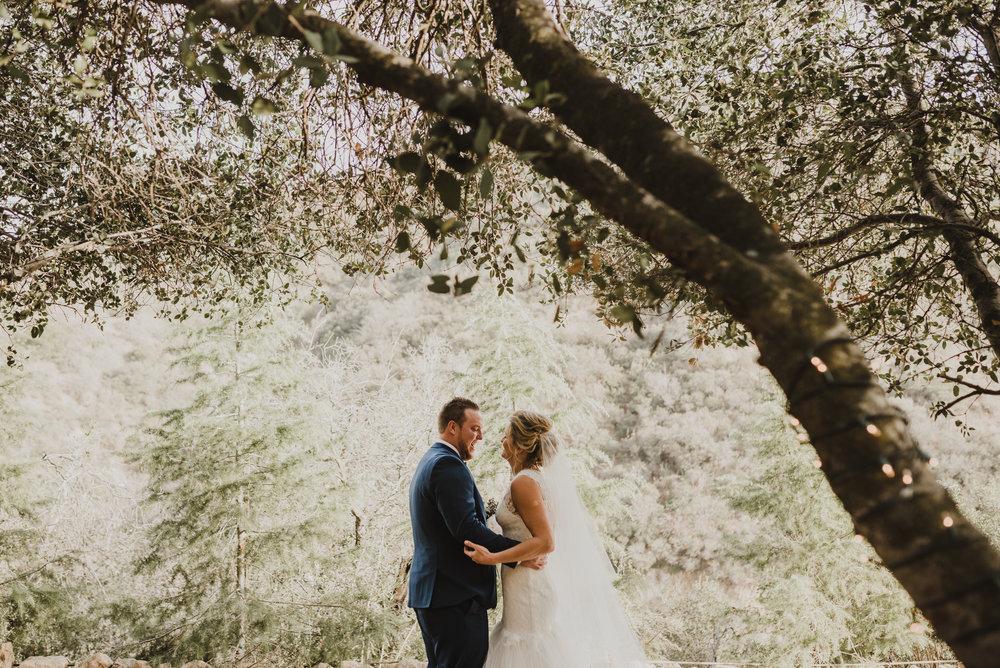 ©Isaiah + Taylor Photography - Serendipity Gardens Wedding, Oak Glen, San Bernarndino Wedding Photographer-20.jpg