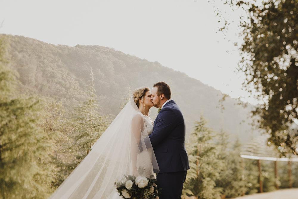 ©Isaiah + Taylor Photography - Serendipity Gardens Wedding, Oak Glen, San Bernarndino Wedding Photographer-23.jpg