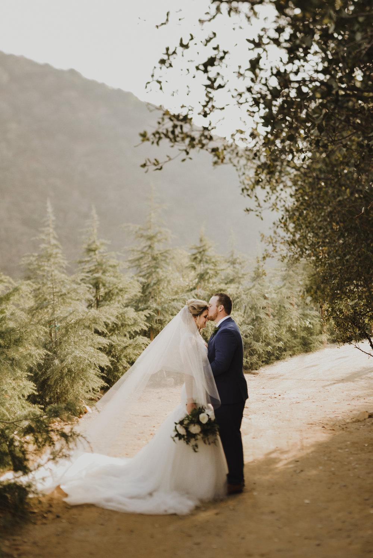 ©Isaiah + Taylor Photography - Serendipity Gardens Wedding, Oak Glen, San Bernarndino Wedding Photographer-24.jpg