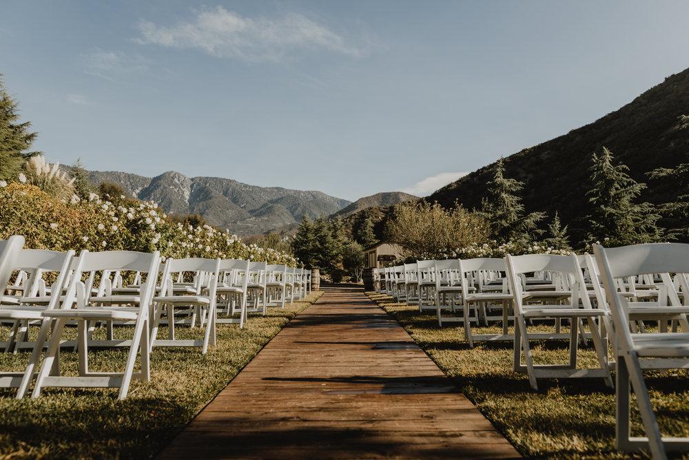 ©Isaiah + Taylor Photography - Serendipity Gardens Wedding, Oak Glen, San Bernarndino Wedding Photographer-29.jpg