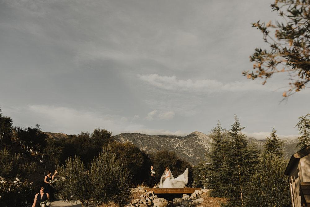 ©Isaiah + Taylor Photography - Serendipity Gardens Wedding, Oak Glen, San Bernarndino Wedding Photographer-31.jpg