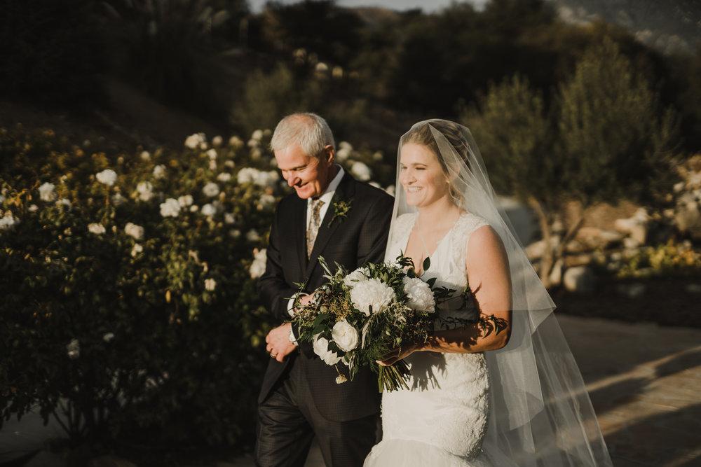 ©Isaiah + Taylor Photography - Serendipity Gardens Wedding, Oak Glen, San Bernarndino Wedding Photographer-32.jpg