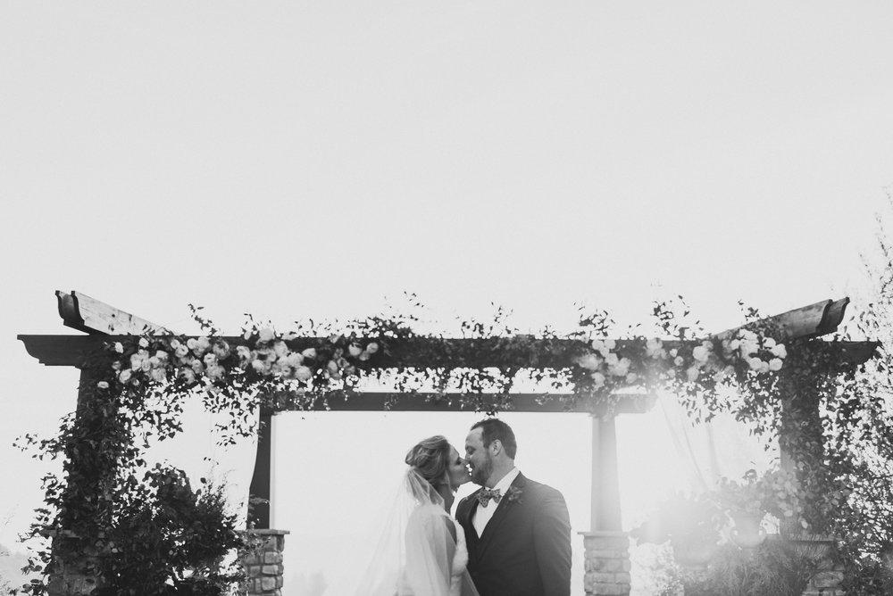 ©Isaiah + Taylor Photography - Serendipity Gardens Wedding, Oak Glen, San Bernarndino Wedding Photographer-40.jpg