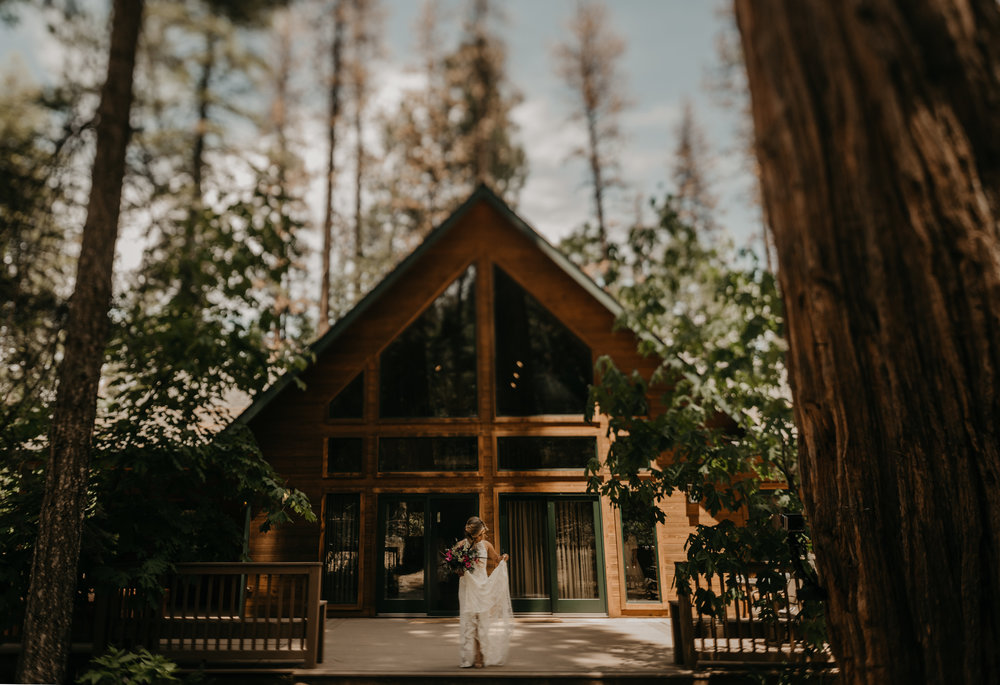 © Isaiah + Taylor Photography - Evergreen Lodge Destination Yoesmite Wedding - Los Angeles Wedding Photographer-045.jpg