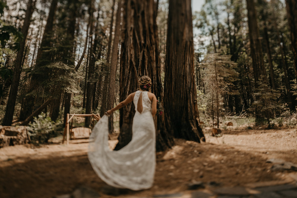 © Isaiah + Taylor Photography - Evergreen Lodge Destination Yoesmite Wedding - Los Angeles Wedding Photographer-048.jpg
