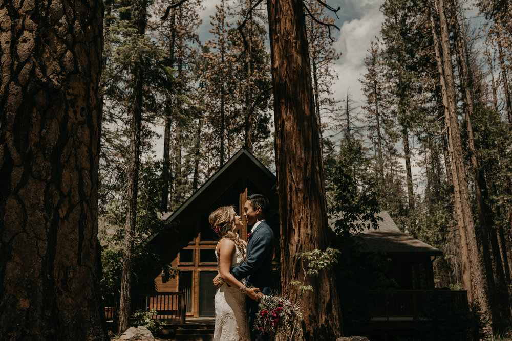 © Isaiah + Taylor Photography - Evergreen Lodge Destination Yoesmite Wedding - Los Angeles Wedding Photographer-082.jpg