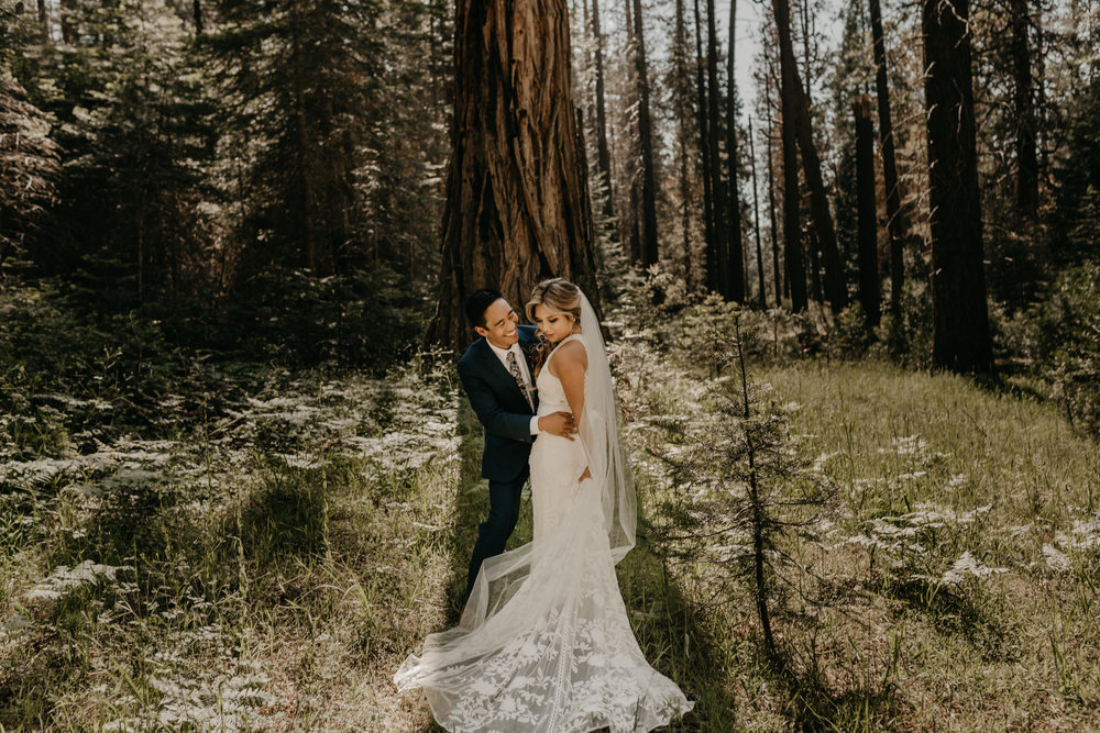 © Isaiah + Taylor Photography - Evergreen Lodge Destination Yoesmite Wedding - Los Angeles Wedding Photographer-144.jpg