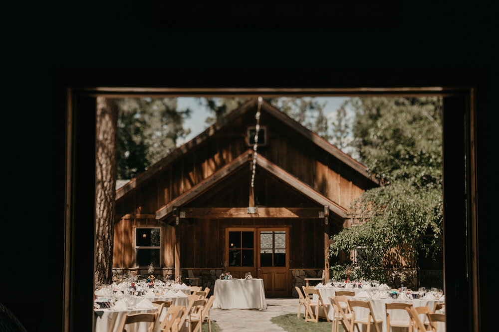 © Isaiah + Taylor Photography - Evergreen Lodge Destination Yoesmite Wedding - Los Angeles Wedding Photographer-158.jpg