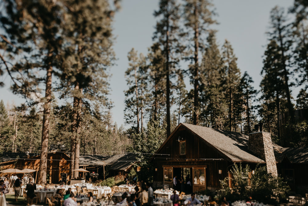 © Isaiah + Taylor Photography - Evergreen Lodge Destination Yoesmite Wedding - Los Angeles Wedding Photographer-159.jpg