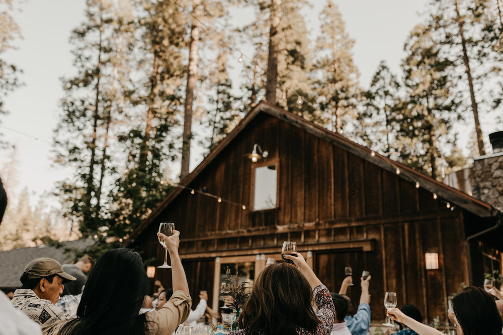 © Isaiah + Taylor Photography - Evergreen Lodge Destination Yoesmite Wedding - Los Angeles Wedding Photographer-176.jpg
