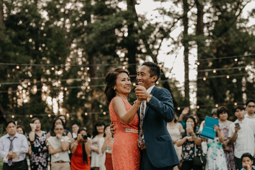 © Isaiah + Taylor Photography - Evergreen Lodge Destination Yoesmite Wedding - Los Angeles Wedding Photographer-198.jpg