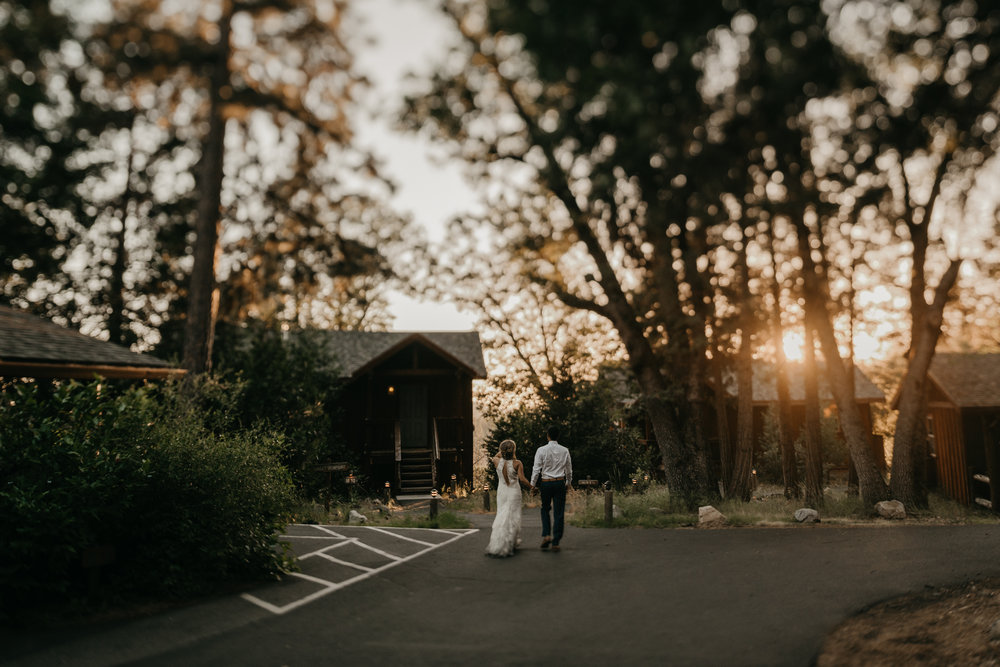 © Isaiah + Taylor Photography - Evergreen Lodge Destination Yoesmite Wedding - Los Angeles Wedding Photographer-212.jpg