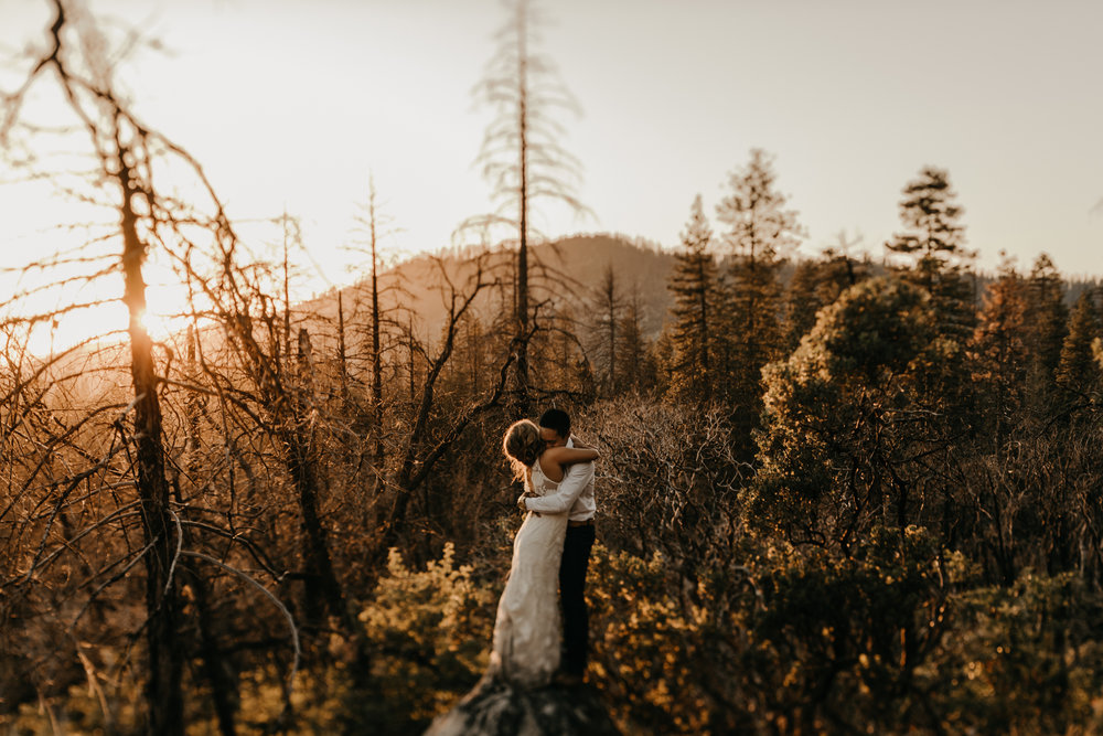 © Isaiah + Taylor Photography - Evergreen Lodge Destination Yoesmite Wedding - Los Angeles Wedding Photographer-219.jpg
