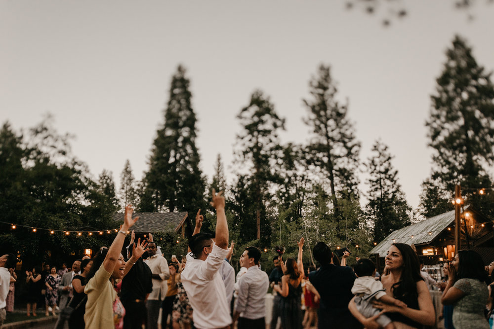 © Isaiah + Taylor Photography - Evergreen Lodge Destination Yoesmite Wedding - Los Angeles Wedding Photographer-234.jpg