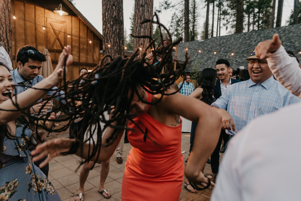 © Isaiah + Taylor Photography - Evergreen Lodge Destination Yoesmite Wedding - Los Angeles Wedding Photographer-235.jpg