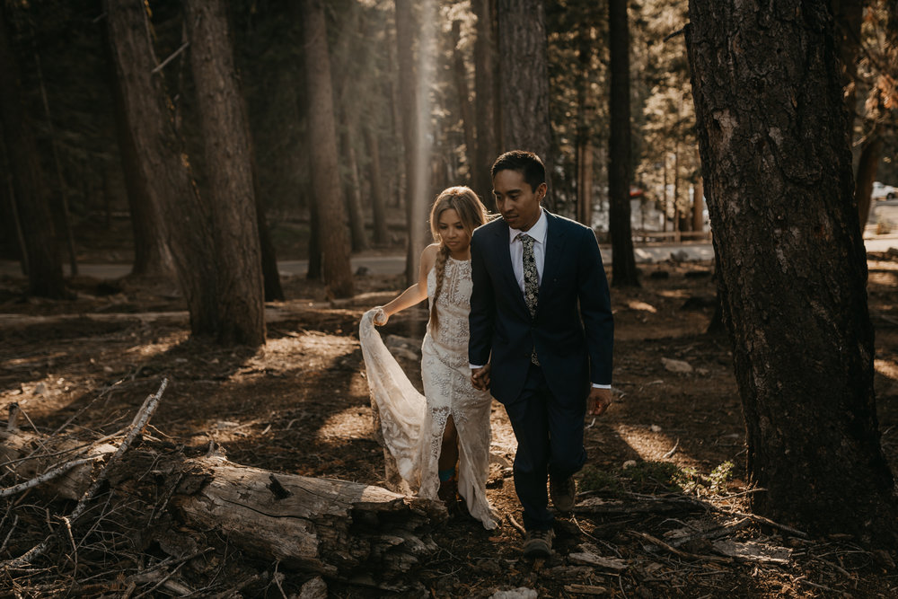 © Isaiah + Taylor Photography - Yosemite Nationanl Park Elopement Photographer - Evergreen Lodge Wedding-005.jpg