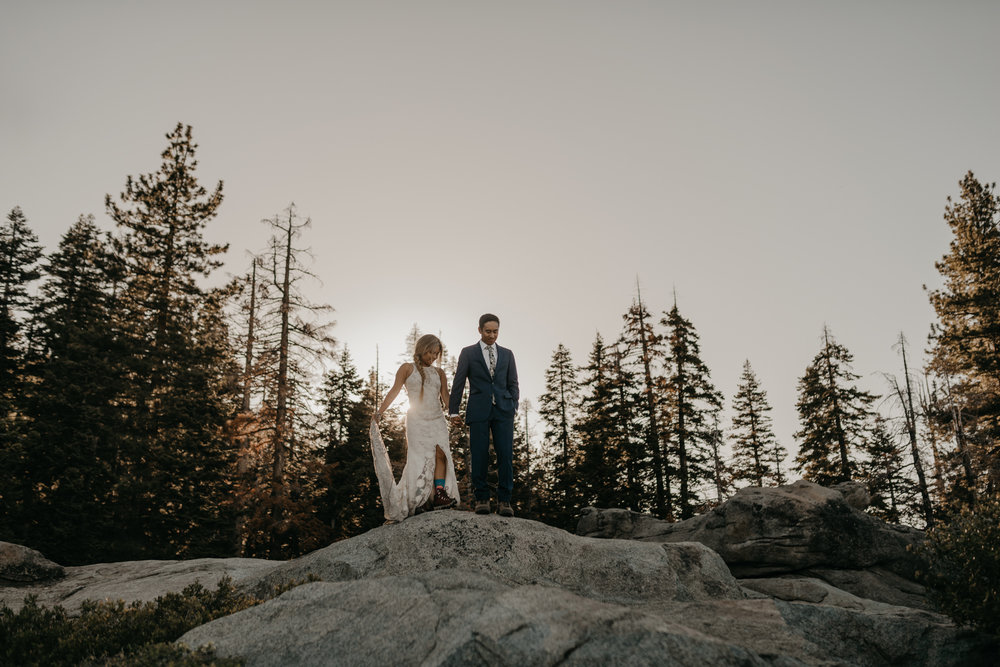© Isaiah + Taylor Photography - Yosemite Nationanl Park Elopement Photographer - Evergreen Lodge Wedding-008.jpg