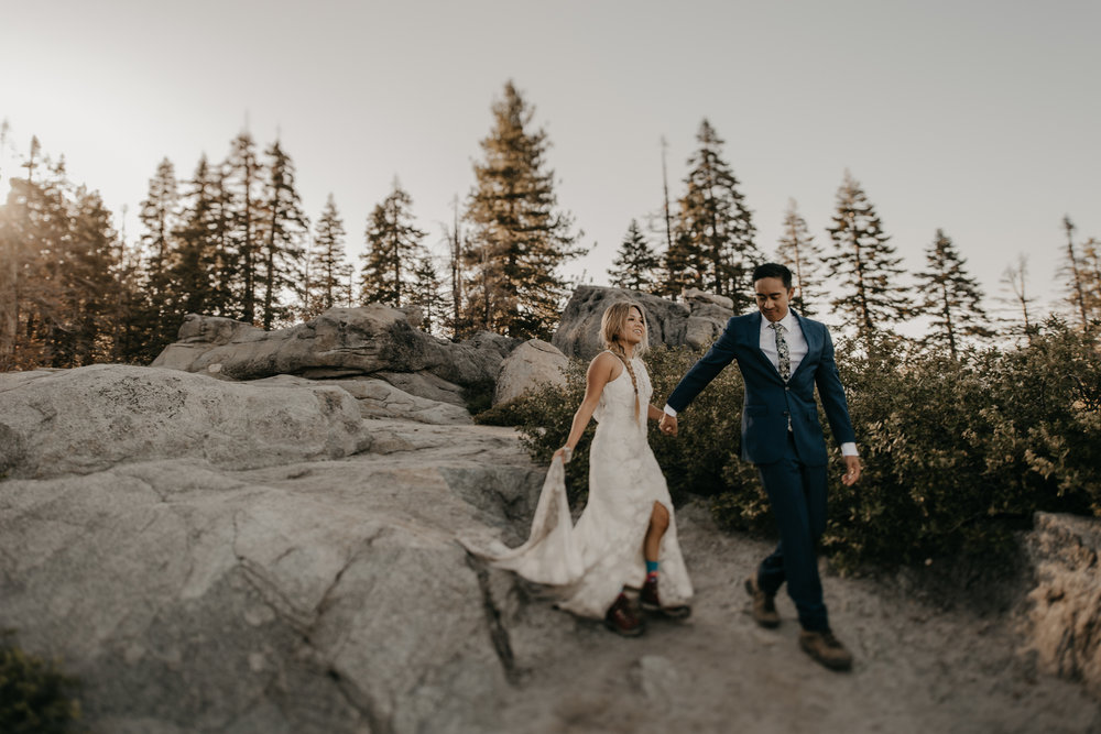 © Isaiah + Taylor Photography - Yosemite Nationanl Park Elopement Photographer - Evergreen Lodge Wedding-009.jpg