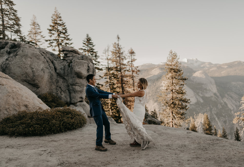 © Isaiah + Taylor Photography - Yosemite Nationanl Park Elopement Photographer - Evergreen Lodge Wedding-016.jpg
