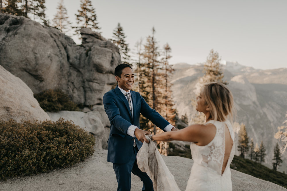 © Isaiah + Taylor Photography - Yosemite Nationanl Park Elopement Photographer - Evergreen Lodge Wedding-018.jpg