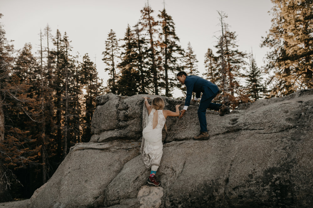 © Isaiah + Taylor Photography - Yosemite Nationanl Park Elopement Photographer - Evergreen Lodge Wedding-031.jpg