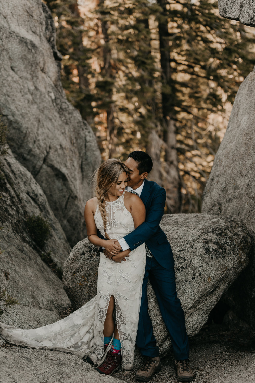 © Isaiah + Taylor Photography - Yosemite Nationanl Park Elopement Photographer - Evergreen Lodge Wedding-034.jpg
