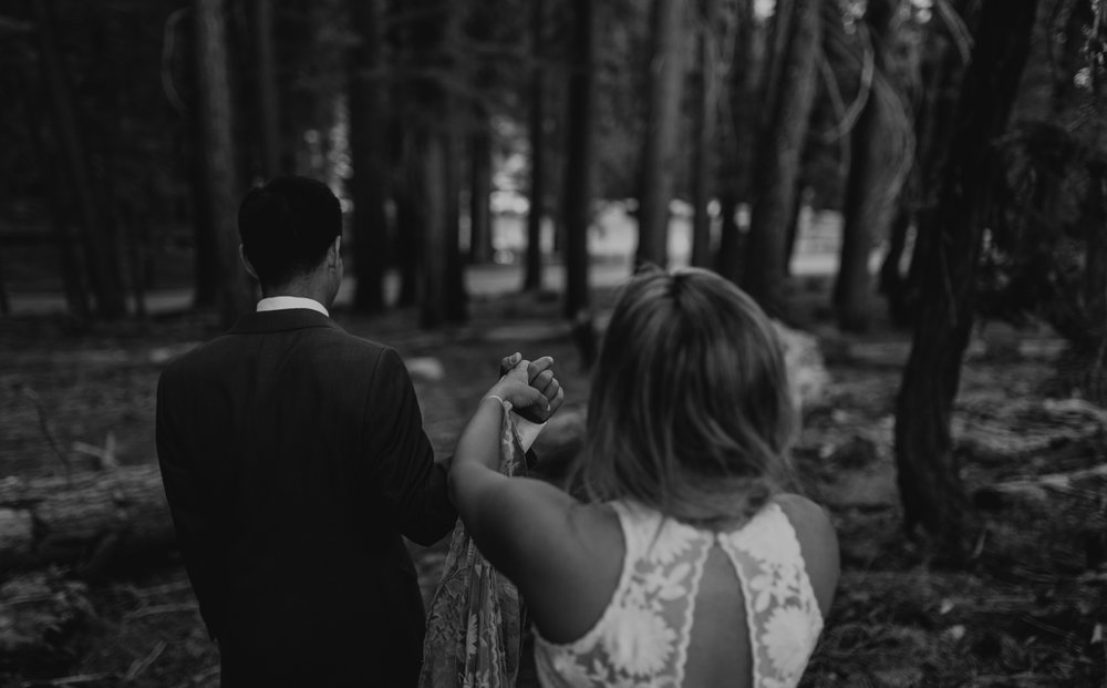 © Isaiah + Taylor Photography - Yosemite Nationanl Park Elopement Photographer - Evergreen Lodge Wedding-044.jpg