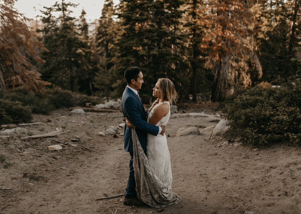 © Isaiah + Taylor Photography - Yosemite Nationanl Park Elopement Photographer - Evergreen Lodge Wedding-046.jpg