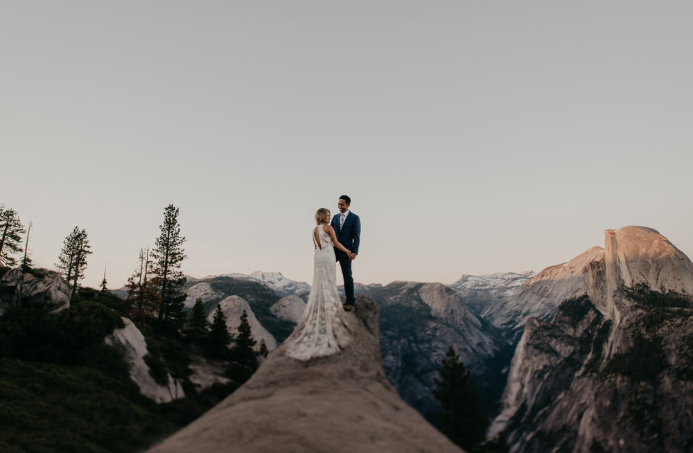 © Isaiah + Taylor Photography - Yosemite Nationanl Park Elopement Photographer - Evergreen Lodge Wedding-060.jpg