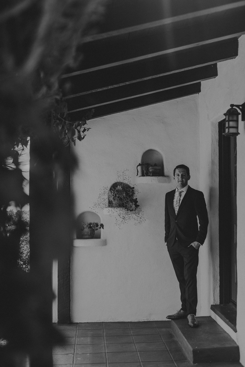 © Isaiah + Taylor Photography - San Clemente Historic Cottage Laid-Back Wedding-008.jpg