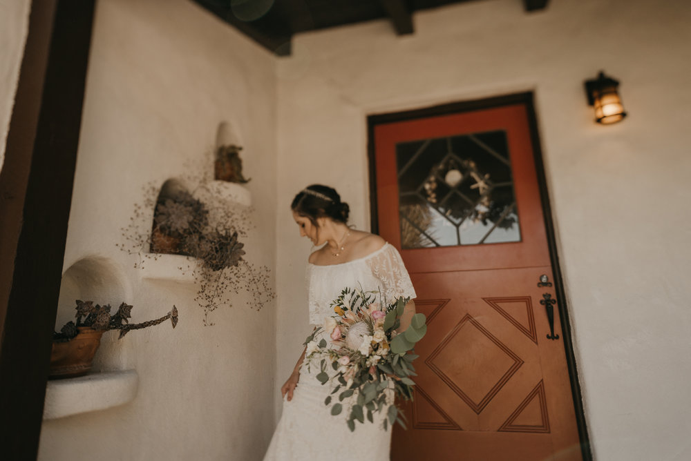 © Isaiah + Taylor Photography - San Clemente Historic Cottage Laid-Back Wedding-012.jpg