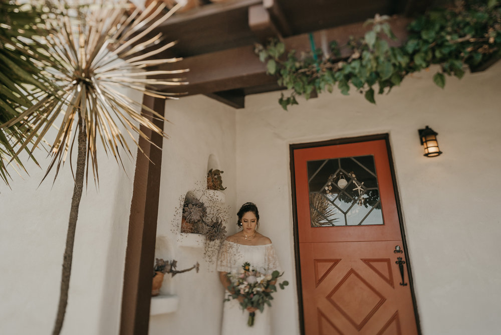 © Isaiah + Taylor Photography - San Clemente Historic Cottage Laid-Back Wedding-013.jpg