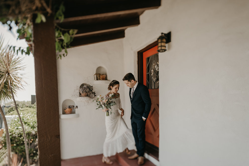 © Isaiah + Taylor Photography - San Clemente Historic Cottage Laid-Back Wedding-027.jpg
