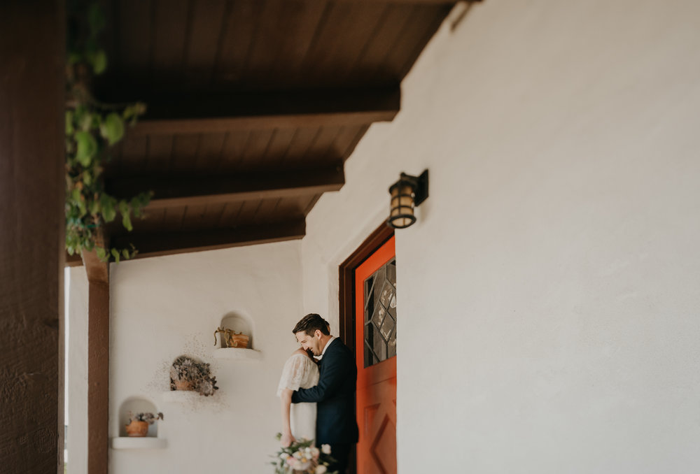 © Isaiah + Taylor Photography - San Clemente Historic Cottage Laid-Back Wedding-030.jpg