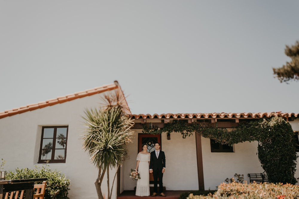 © Isaiah + Taylor Photography - San Clemente Historic Cottage Laid-Back Wedding-037.jpg