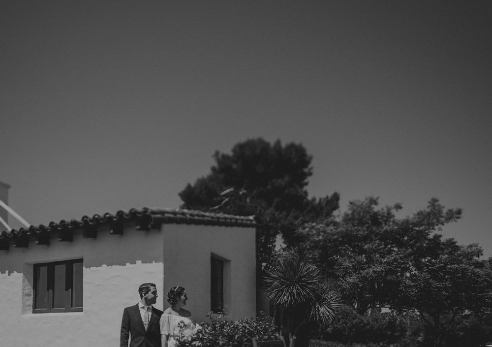 © Isaiah + Taylor Photography - San Clemente Historic Cottage Laid-Back Wedding-039.jpg