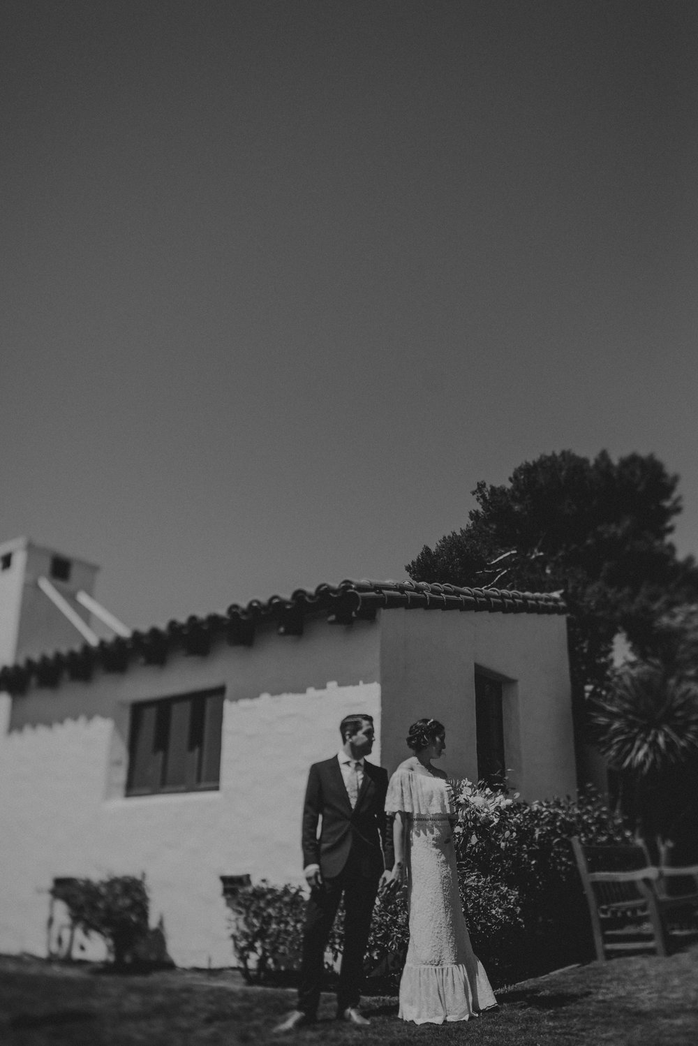 © Isaiah + Taylor Photography - San Clemente Historic Cottage Laid-Back Wedding-040.jpg