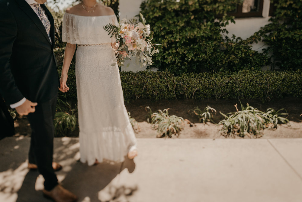 © Isaiah + Taylor Photography - San Clemente Historic Cottage Laid-Back Wedding-048.jpg