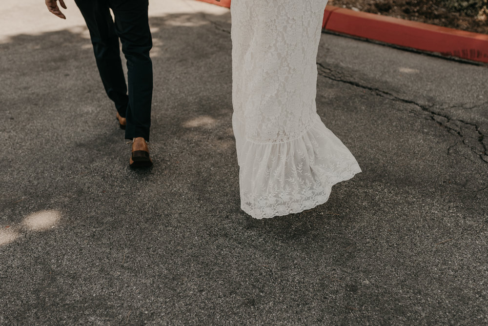 © Isaiah + Taylor Photography - San Clemente Historic Cottage Laid-Back Wedding-053.jpg