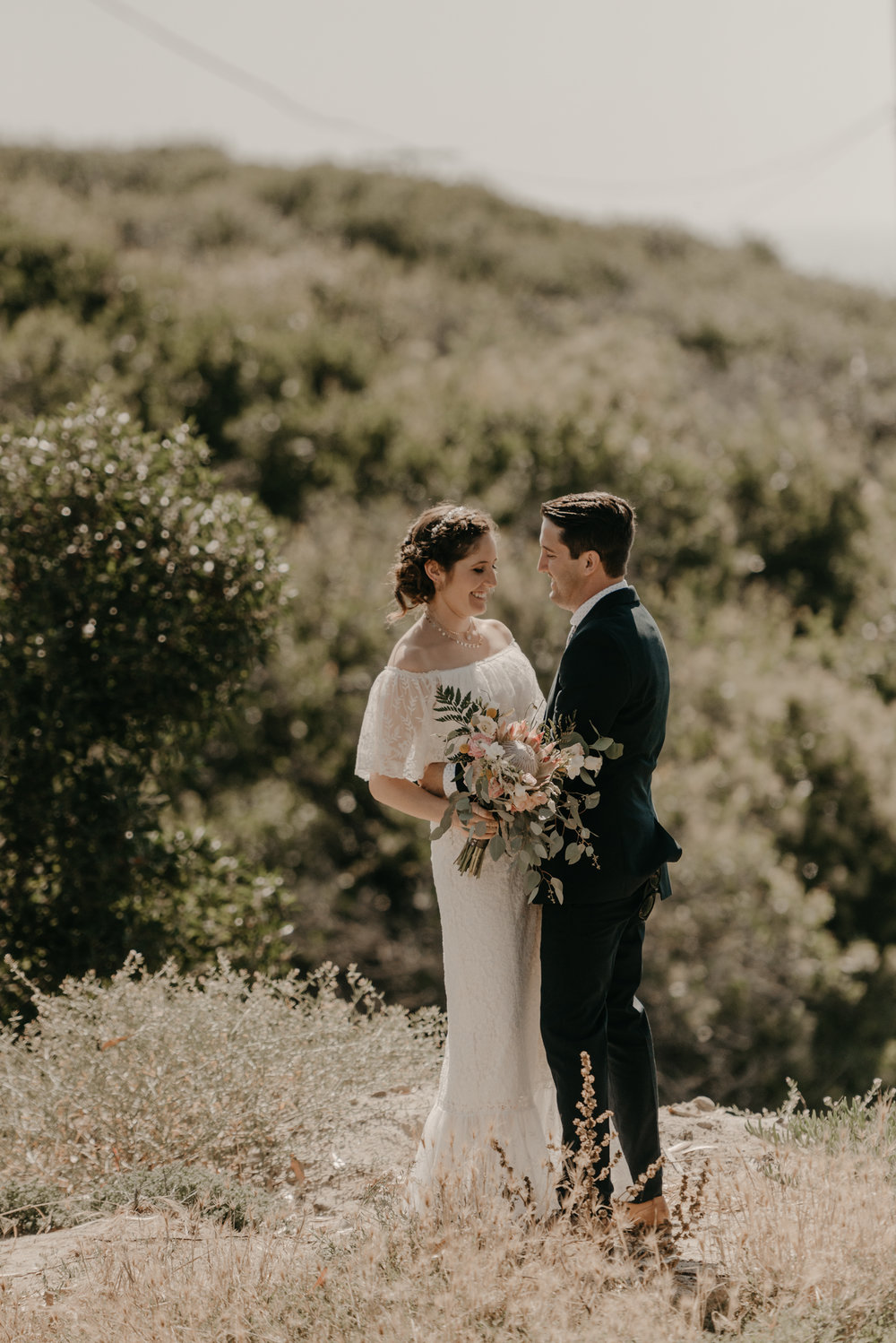 © Isaiah + Taylor Photography - San Clemente Historic Cottage Laid-Back Wedding-070.jpg