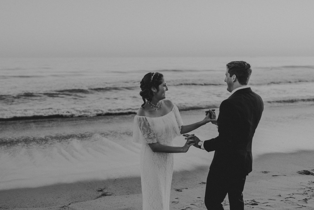 © Isaiah + Taylor Photography - San Clemente Historic Cottage Laid-Back Wedding-200.jpg