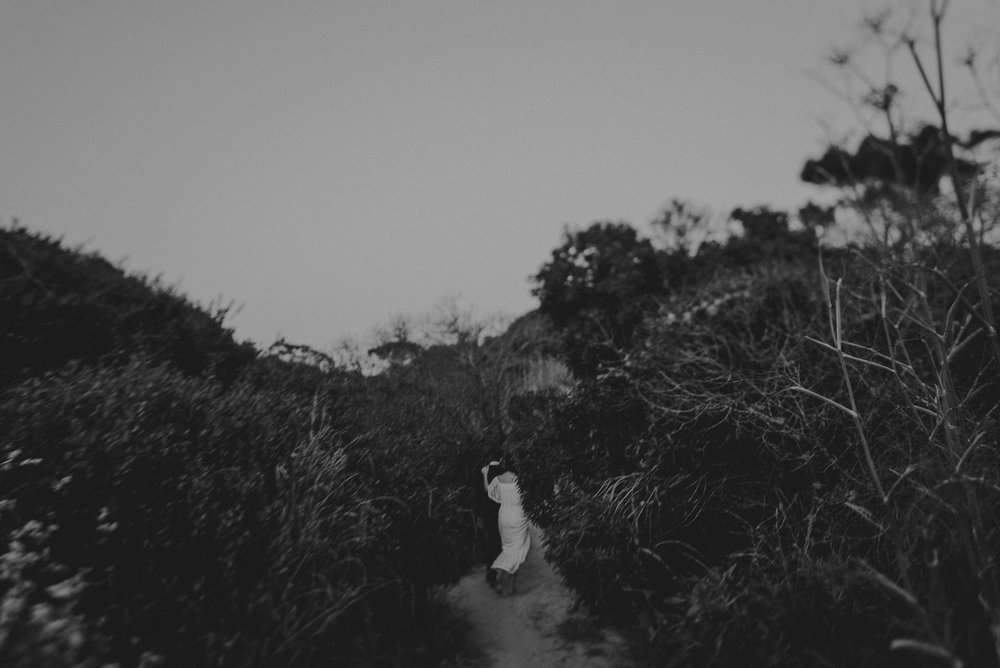 © Isaiah + Taylor Photography - San Clemente Historic Cottage Laid-Back Wedding-222.jpg