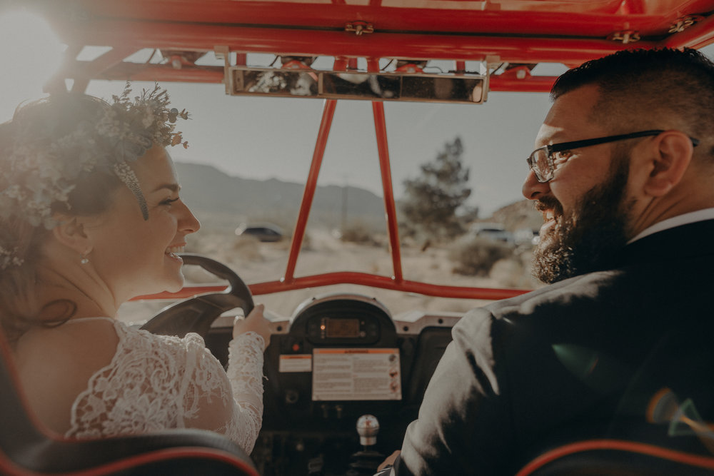 ©Isaiah + Taylor Photography - Joshua Tree Wedding Elopement-085.jpg
