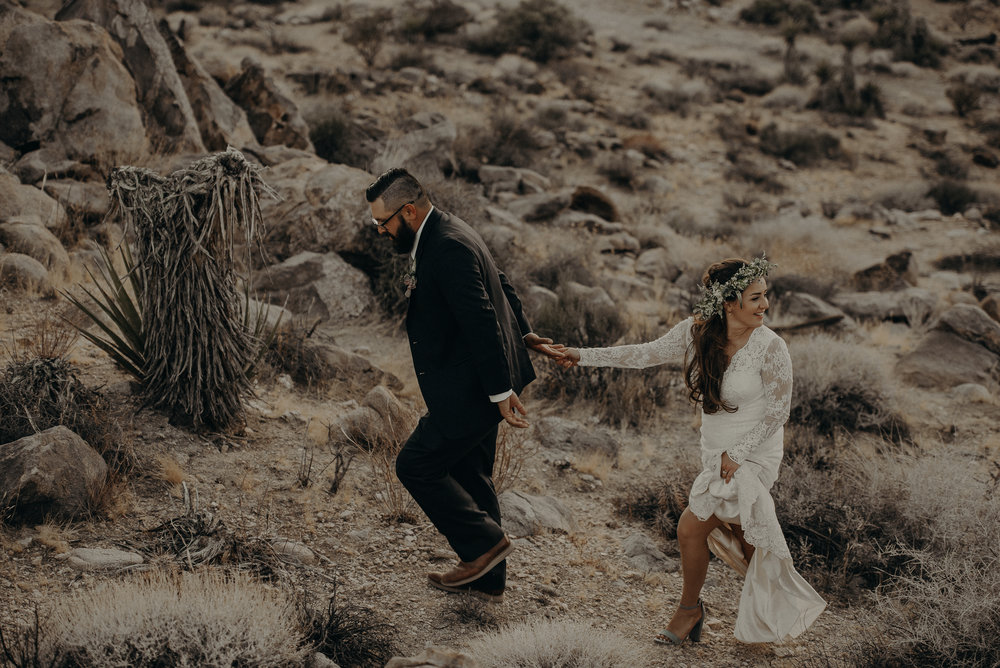 ©Isaiah + Taylor Photography - Joshua Tree Wedding Elopement-101.jpg