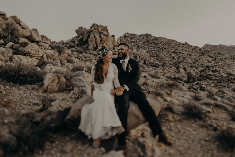 ©Isaiah + Taylor Photography - Joshua Tree Wedding Elopement-104.jpg
