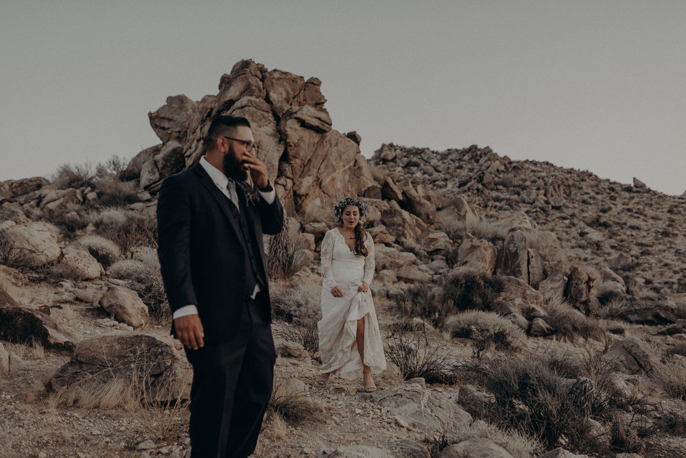 ©Isaiah + Taylor Photography - Joshua Tree Wedding Elopement-110.jpg