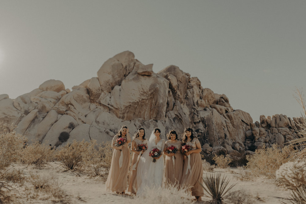 © Isaiah + Taylor Photography - Long Beach Wedding Photographer - Joshua Tree Elopement-046.jpg